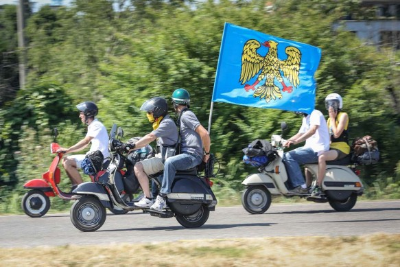 061614-vespa-world-days-parade-06