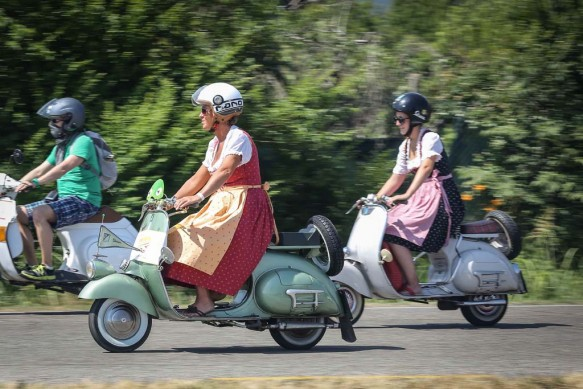 061614-vespa-world-days-parade-07