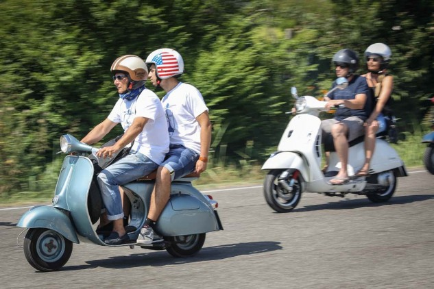 061614-vespa-world-days-parade-38