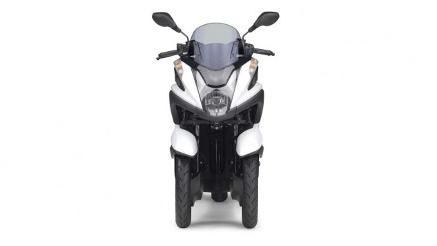 070214-2015-Yamaha-Tricity-EU-Competition-White-Studio-008
