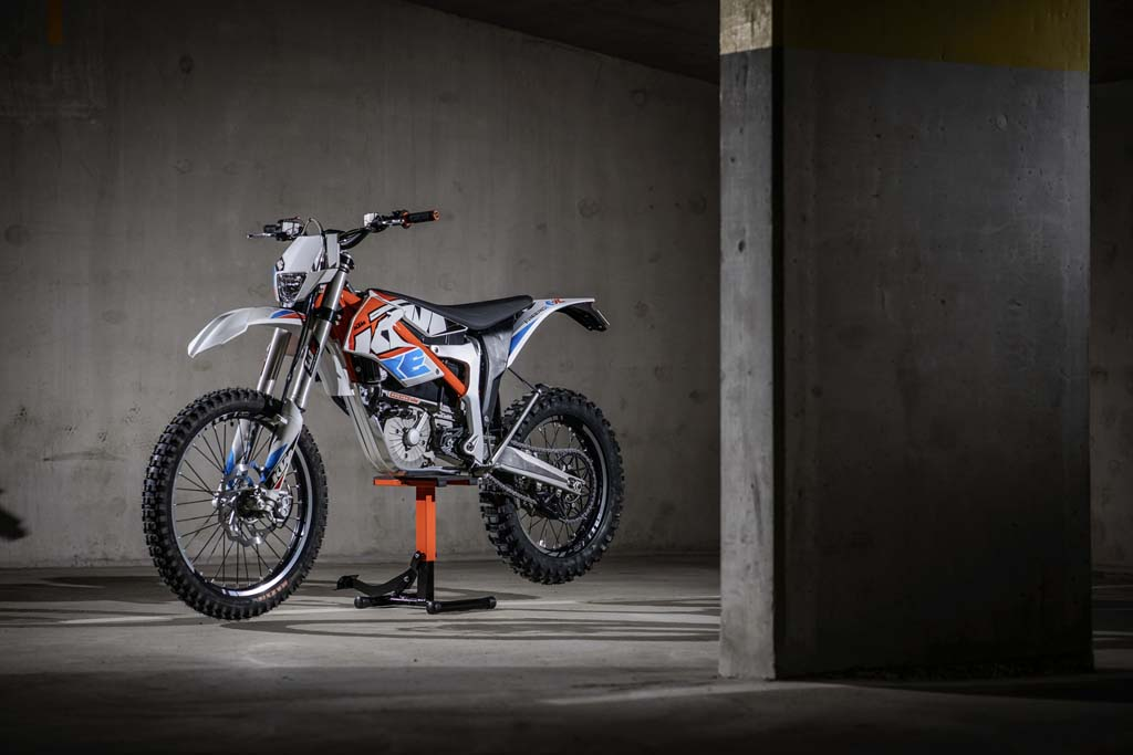 2015 ktm freeride e sx and e xc announced for europe news. Black Bedroom Furniture Sets. Home Design Ideas