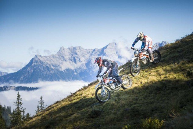 092214-2015-93389_KTM_Freeride_E_Action