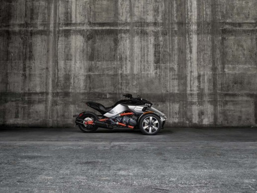 092414-2015-can-am-spyder-F3-S Plat_0064_15