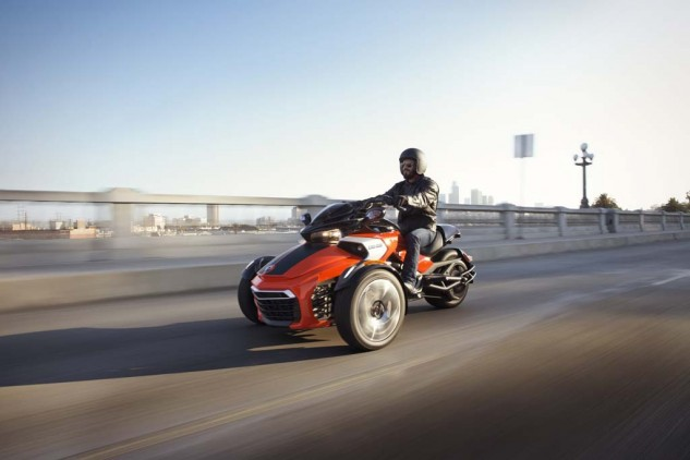 092414-2015-can-am-spyder-F3-S RedBlk_0231 drkr_15