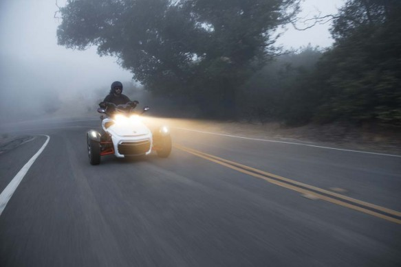 092414-2015-can-am-spyder-F3-S Wht_7538_15