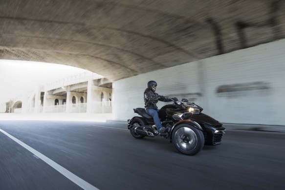 092414-2015-can-am-spyder-F3-S_Blk 1129_15