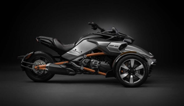 092414-2015-can-am-spyder-F3-S_side Plt_15