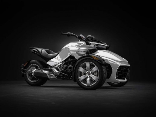 092414-2015-can-am-spyder-F3_3-4 PrlWht_15