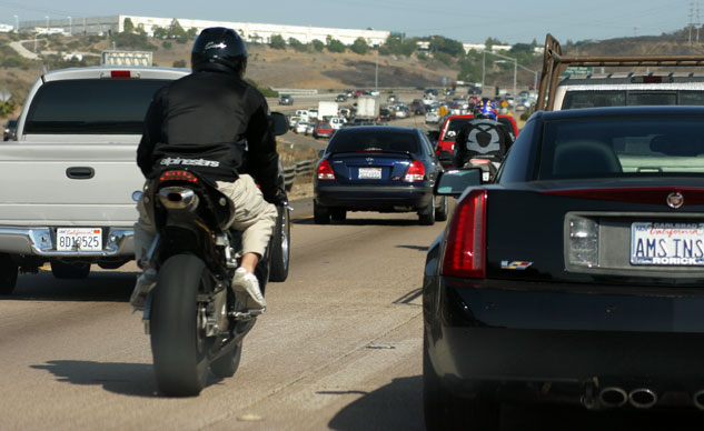 102414-lane-splitting-f