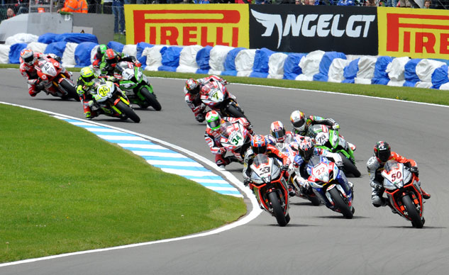 111814-world-superbike-racing-f