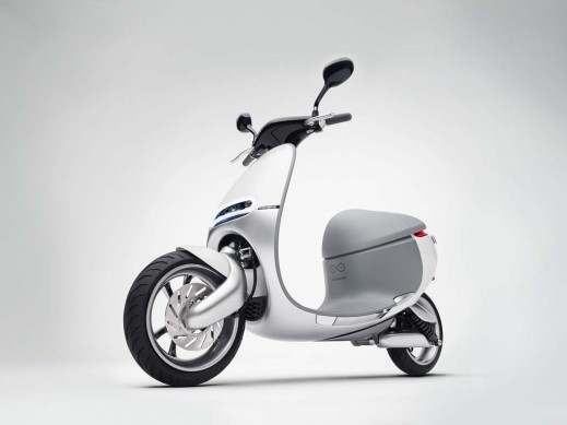 010514-Gogoro-Front-Left-Quarter-View