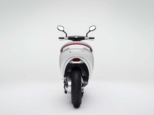 010514-Gogoro-Smartscooter-Back