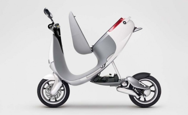 010514-Gogoro-Smartscooter-Open