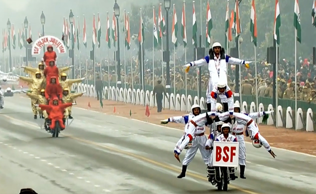 012715-india-bsf-motorcycle-f
