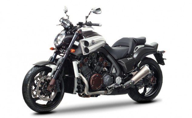 020615-yamaha-star-vmax-carbon-studio-23