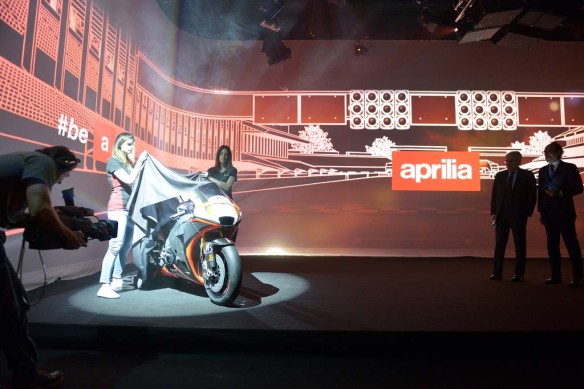030515-aprilia-rs-gp-motogp-launch-020
