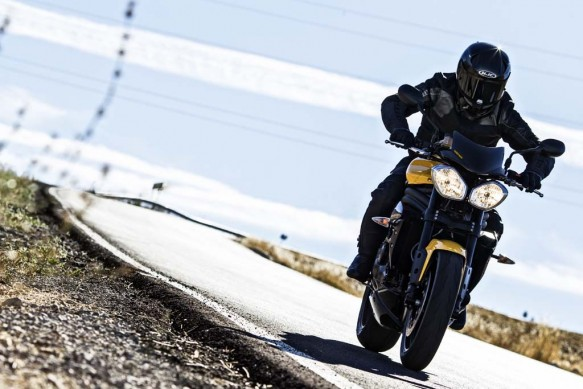 040215-2016-triumph-speed-triple-r-94-7139