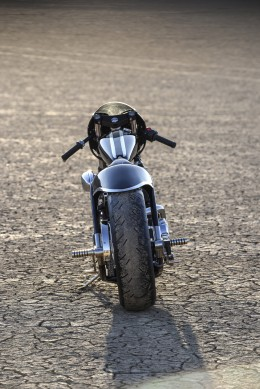 Indian_Scout_Custom_drag_bike_Jeb_Scolman