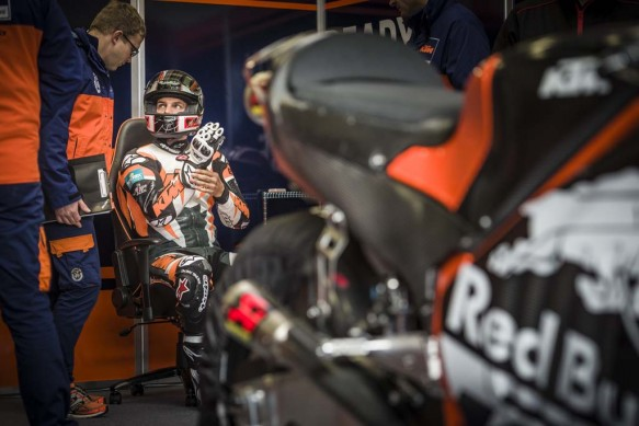 110215-ktm-rc16-motogp-prototype-test-06