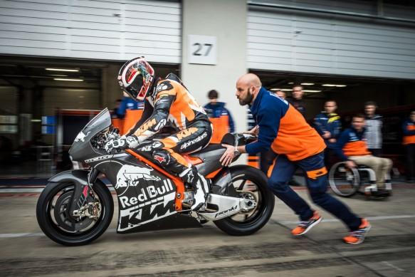 110215-ktm-rc16-motogp-prototype-test-1