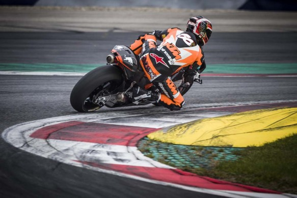 110215-ktm-rc16-motogp-prototype-test-11