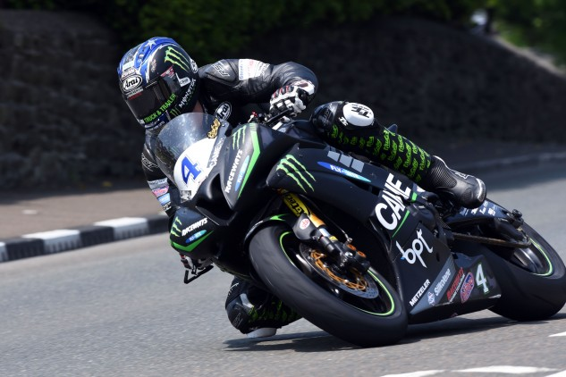 Ian Hutchinson won his fourth-straight Supersport TT race in convincing fashion. Photo by: DaveKneale.com