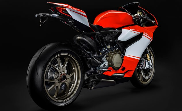 062016-2014-ducati-1199-superleggera-f