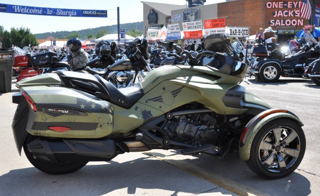 Custom Spyder in Sturgis_feature