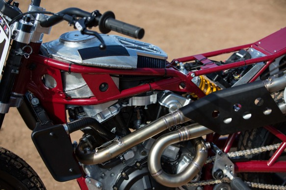090616-indian-scout-ftr750-flat-track-2