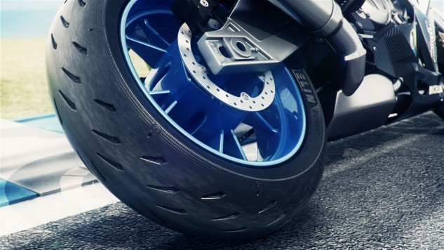 112516-michelin-power-rs-rear-action-1