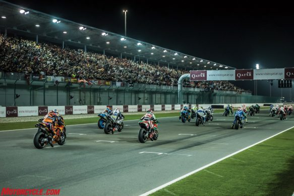 bradley-smith-pol-espargaro-ktm-rc16-start-losail-2017-1