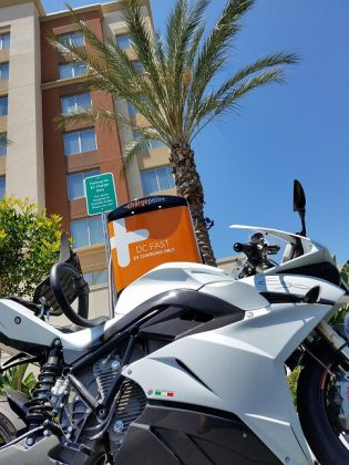 energica-fast-charge