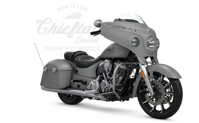 052317-2017-indian-chieftain-limited-silver-smoke