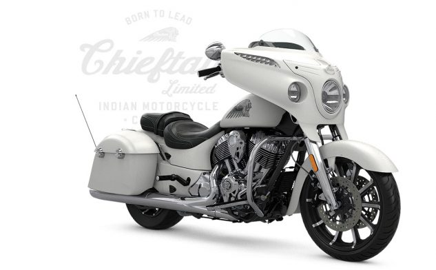 052317-2017-indian-chieftain-limited-white-smoke