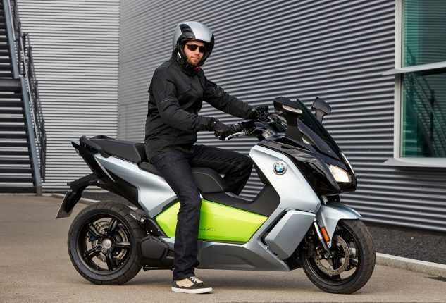 082317-2017-bmw-c-evolution-electric-scooter-1