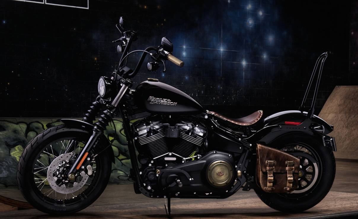 Yamaha Electric Motorcycle >> Harley-Davidson Showcases Bobber-Style Softail Accessories - Motorcycle.com News