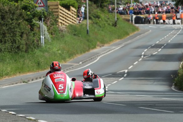 060818-2018-iomtt-sidecar-tt-reeves-wilkes-pb-dave-kneen