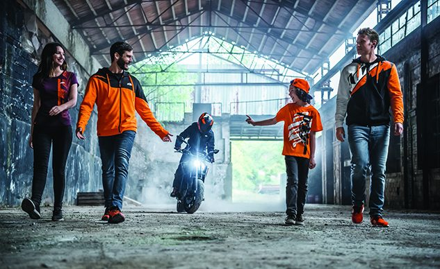 KTM 2019 PowerWear Casual & Accessories_feature