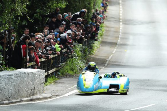 060319-iomtt-2019-sidecar-race-1-alan-founds-jake-lowther-dk4_0833