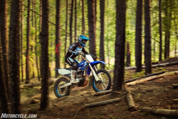 20_YZ250FX_TeamYamahaBlue_Additional04-2