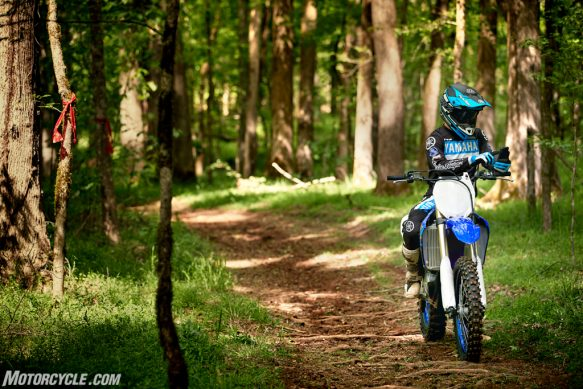 20_YZ250FX_TeamYamahaBlue_Additional10-2