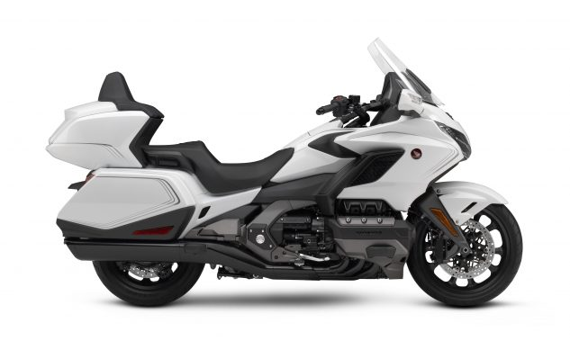 20 Honda Gold Wing Tour DCT_Pearl Glare White RHP