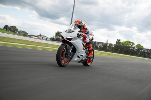 DUCATI_PANIGALE_V2_AMBIENCE _14__UC174130_High