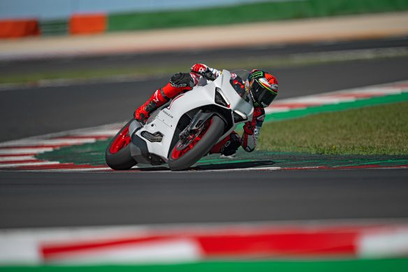 DUCATI_PANIGALE_V2_AMBIENCE _20__UC174113_High