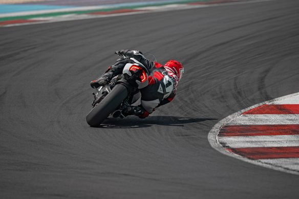 DUCATI_PANIGALE_V2_AMBIENCE _23__UC174132_High