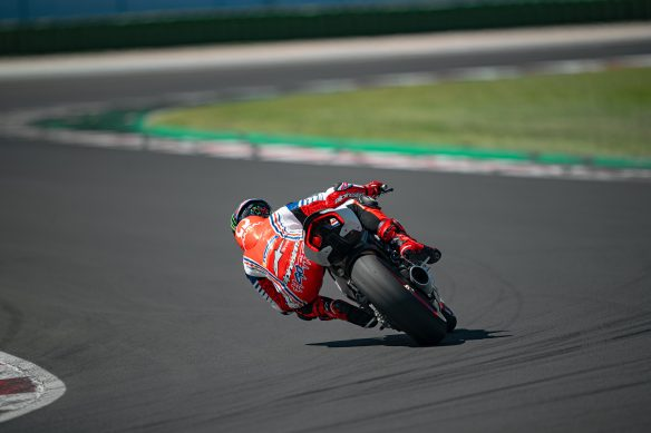 DUCATI_PANIGALE_V2_AMBIENCE _2__UC174123_High
