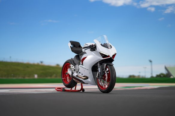 DUCATI_PANIGALE_V2_AMBIENCE _35__UC174101_High