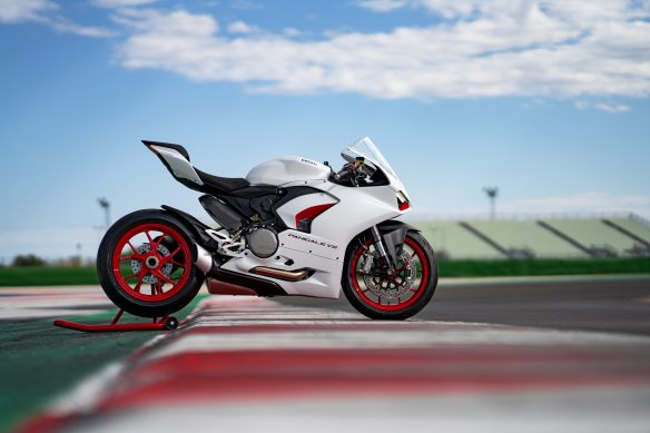 DUCATI_PANIGALE_V2_AMBIENCE _37__UC174100_High
