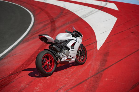 DUCATI_PANIGALE_V2_AMBIENCE _38__UC174103_High