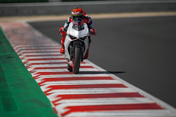 DUCATI_PANIGALE_V2_AMBIENCE _4__UC174125_High